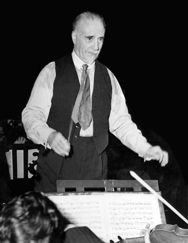 Dirigenten Thomas Beecham i aksjon i 1948.